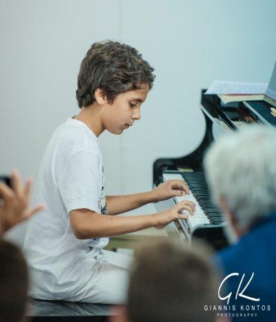 Σήμερα θα σας παίξουμε πιάνο!