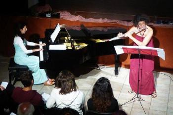 Αμαλία Κουντούρη (φλάουτο) Μυρτώ Ακρίβου (πιάνο)