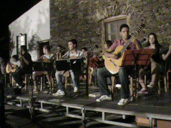 """Συναυλία κιθαριστών Μουσικού Εργαστηρίου Κέας στο """"Μυλοπόταμο"""""""