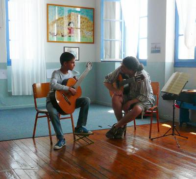 Ο σολίστ Δημήτρης Κουρζάκης στο Μουσικό Εργαστήρι Σίφνου